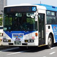 道路上の高速バス